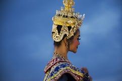 Folk som dansar suverän thai thai stil för maskerings- eller Khon dansdrama Royaltyfria Bilder