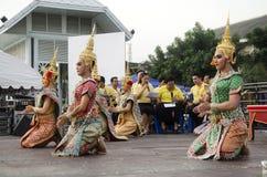 Folk som dansar suverän thai thai stil för maskerings- eller Khon dansdrama Arkivfoto