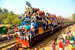 Folk som går till Ijtema den globala kongregationen Royaltyfri Fotografi