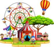 Folk som har gyckel i cirkus vektor illustrationer