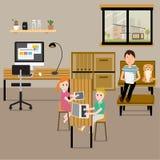 Folk som hemma arbetar med familjen som en freelancer- eller fjärrkontrollwor vektor illustrationer
