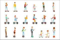 Folk som rider Själv-balansera Batery Poweres för elkraft personliga elektriska sparkcyklar Whith en eller två hjul, uppsättning  royaltyfri illustrationer