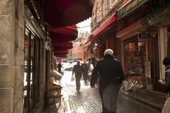 Folk som shoppar i kryddabasaren Royaltyfri Foto