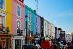 Folk som shoppar i Notting Hill London Arkivbilder