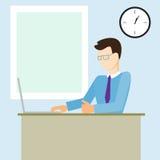 Folk som sitter i ett kontor bak en dator Arbetsdagspå hans arbete Mycket tomt utrymme för text på brädet Arkivbild