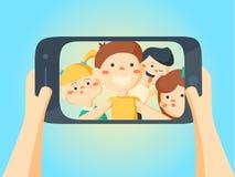Folk som tar Selfie Vänner och flickvänungar som gör fotoet Arkivfoton