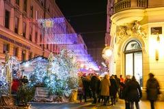 Folk som tycker om Advent i Zagreb Royaltyfri Fotografi