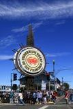 FolkbesökFishermans hamnplats i San Francisco Arkivbild