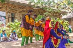 Folkdanser av Uttarakhand tillsammans med folkmusikmusikband inklusive dans bildar som Chancheri, den Chhapeli dansen ECR Chennai Royaltyfri Foto