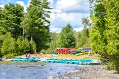 Folket är avslappnande i nationalparken, Quebec Royaltyfria Bilder