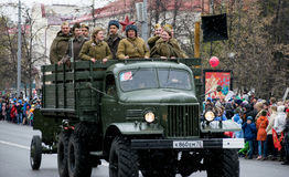 Folket deltar i `en för regementet för handling` den odödliga på berömmen av Victory Day Arkivfoto