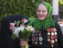Folket firar dagen av segern Royaltyfria Foton