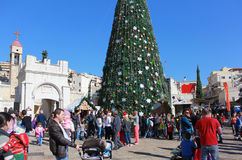 Folket firar jul i Nazareth Royaltyfri Bild