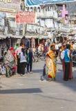 Folket går runt om Pushkar Arkivbild