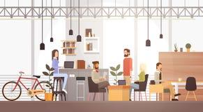 Folket i idérikt kontorsCo-arbete centrerar den moderna arbetsplatsinre för universitetsområdet royaltyfri illustrationer