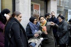 Folket kedjar fast för jews i Danmark Royaltyfria Foton