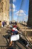 Folket tycker om övningar på Brooklyn Royaltyfri Fotografi