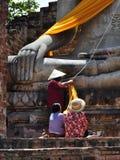 Folklönrespekt till Lord Buddha Royaltyfria Bilder