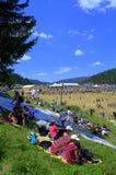 Folklorefestival publiek-Rozhen Bulgarije Stock Afbeeldingen