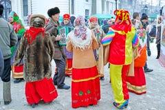 Folkloregrupp på mässan Royaltyfri Foto