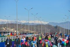 Folkmassa av fans i Sochi, Ryssland Arkivfoton