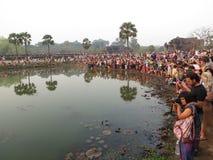 Folkmassa av fotografer, Angkor Wat Arkivfoto
