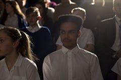 Folkmassa av studenter royaltyfri foto