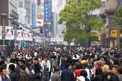 folkmassa shanghai Arkivfoton