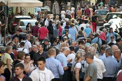 Folkmassor av turister, Rome, Italien arkivfoton