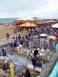 Folkmassor på den Brighton kusten, Sussex, England Fotografering för Bildbyråer