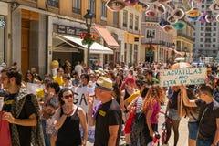 Folkmedlemmar av Malagaen ingen plattform för Se som Vende visar Royaltyfri Foto