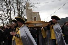 Folkprocession under festival i Auden Arkivfoto