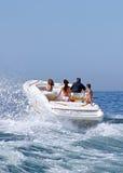 folkspeedboat Arkivfoton
