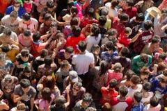 Folla asiatica della gente al festival di songkran Immagine Stock Libera da Diritti