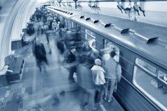 Folla blu del sottopassaggio Fotografia Stock Libera da Diritti