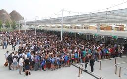Folla dell'Expo 2015 Immagini Stock