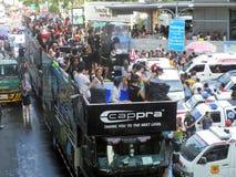 Folla della gente che celebra il festival tradizionale del nuovo anno di Songkran Fotografia Stock Libera da Diritti