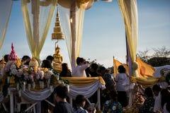 Folla di buddismo di Songkran Fotografie Stock
