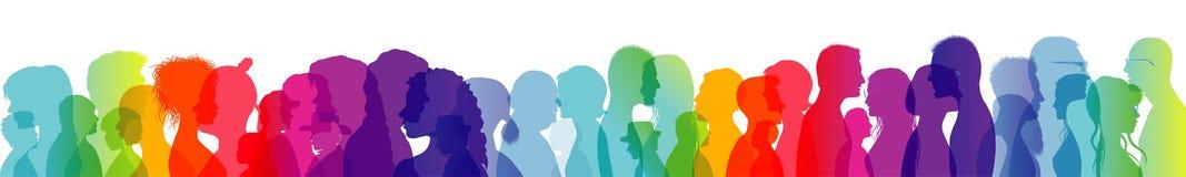 Folla di conversazione Dialogo fra la gente Conversazione della gente Profili colorati della siluetta Esposizione multipla royalty illustrazione gratis
