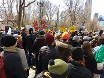 Folla di New York, marzo per le nostre vite, NYC, NY, U.S.A. Fotografia Stock