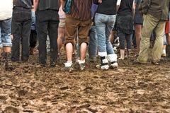 Folla in fango al concerto Immagine Stock