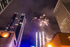 Folle di Larged riunite per celebrare prima notte del nuovo anno a Charlotte nc immagine stock libera da diritti