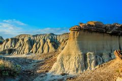Follow the trail through the badlands. Dinosaur Provincial Park, Alberta, Canada Stock Photos
