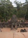 Fom överkanten av Ta Keo, en av de Angkor templen royaltyfri foto