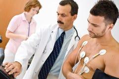 Fonctionnement d'équipe médicale Photos stock