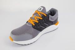 Fonctionnement d'Adidas d'espadrille Image stock