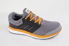 Fonctionnement d'Adidas d'espadrille Photographie stock libre de droits