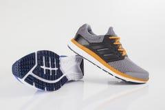 Fonctionnement d'Adidas d'espadrille Images libres de droits