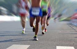 Fonctionnement d'athlètes de marathon photos libres de droits