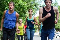 Fonctionnement d'athlètes de marathon Photographie stock